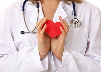 Менопаузальная гормональная терапия замедляет кальцификацию коронарных артерий