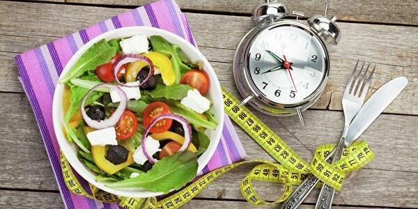 Снижение веса при интервальном голодании не отличается от других вариантов диет, но сопровождается потерей мышечной массы