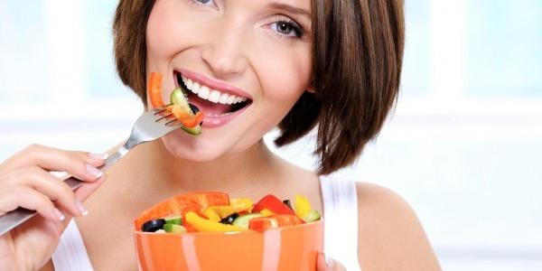 Здоровая диета защищает от рака груди.
