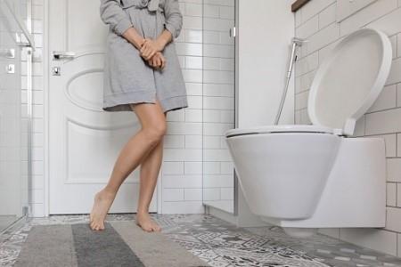 Местная терапия эстрогенами снижает частоту повторных мочевых инфекций.