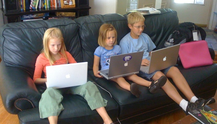 Телевизор и интернет негативно влияют на психическое здоровье детей и подростков