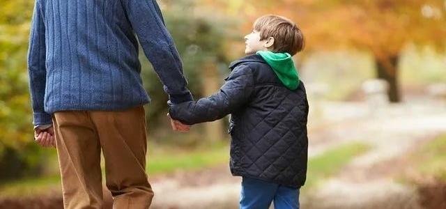 Возраст отца на момент зачатия влияет на вероятность рождения живого ребёнка